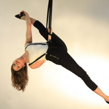 kraftvolle Akrobatik