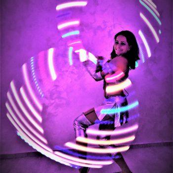 LED Reifen mit Artistin