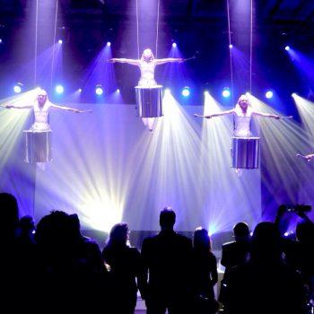 Eine phänomenale LED-Drumming Show können Sie bei der Künstler und Eventagentur buchen.