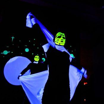 LED-Schwarzlichtshow