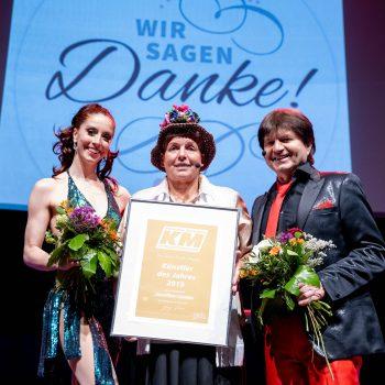 """Foto von der Auszeichnungsfeier """"Künstler des Jahres 2019 """" Sparte Humor"""