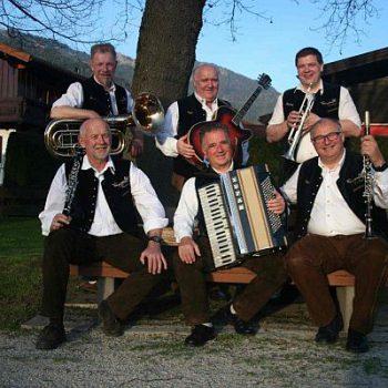 Eine bayrische Oktoberfestband