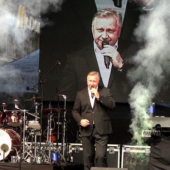Roland Kaiser Double live in Halle bei einer Veranstaltung