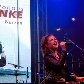 Die partyband-sachsen-anhalt bei einem Konzert gegen Gewalt