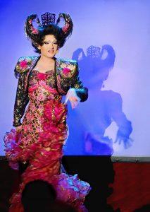 Travestiekünstler als Diva