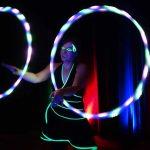 Lichtshow und Schwarzlichtshow mit Hula Hup Reifen