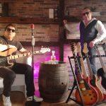 Blues Duo mit Gitarren